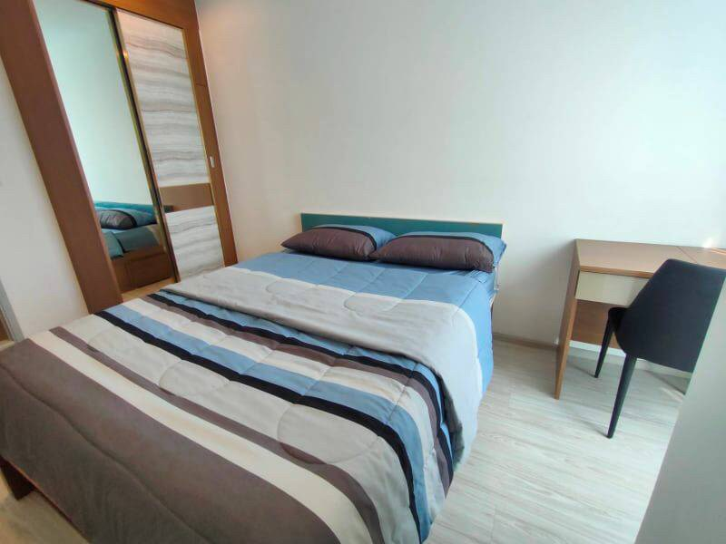 For RentCondoBangna, Lasalle, Bearing : For rent Ideo Mobi Sukhumvit Eastgate, near BTS Bangna 150m, 1 bed, fully furnished There is a ready washing machine.