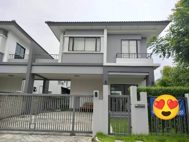 For SaleHouseBangna, Lasalle, Bearing : AE0367 2 storey detached house for sale ATOLL JAVA BAY King Kaew area 44 sq m, 3 bedrooms, 2 bathrooms, built in some furniture.