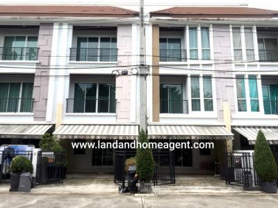 For RentTownhousePattanakan, Srinakarin : Townhome for rent, Baan Klang Muang, S-Sense Srinakarin, near Paradise Park, 6 bedrooms