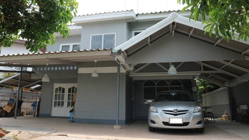 For SaleHouseLadprao 48, Chokchai 4, Ladprao 71 : 2-storey detached house for sale, Chokchai 4 area, area 99 square meters, renovated, near BTS Chokchai 4.