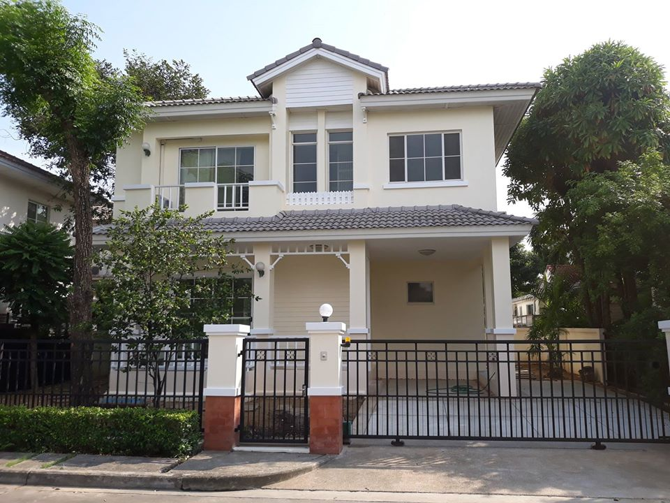 For SaleHouseBangkruai, Ratchapruek : House for sale, Manthana Pinklao - Rama 5, ready to move in Free furniture ** (Opposite the house is the village wall There is no opposite house, private, quiet)