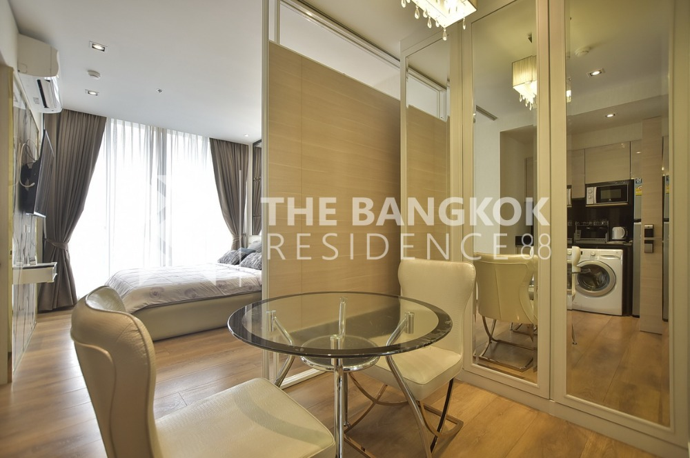 For RentCondoSukhumvit, Asoke, Thonglor : Condo for Rent!! Park 24  1B1B   BTS  Phrom Phong. @16,000 THB/Month