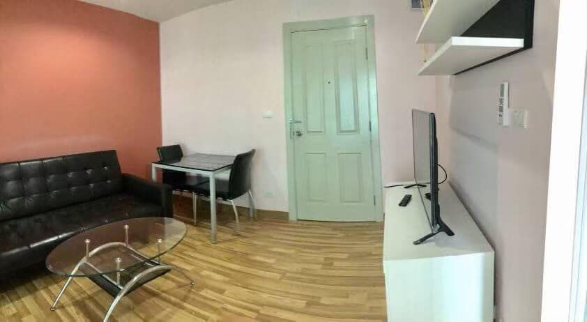 For RentCondoOnnut, Udomsuk : Condo for rent REGENT ORCHID Sukhumvit 101 There is a washing machine in the room near BTS Punnawithi.