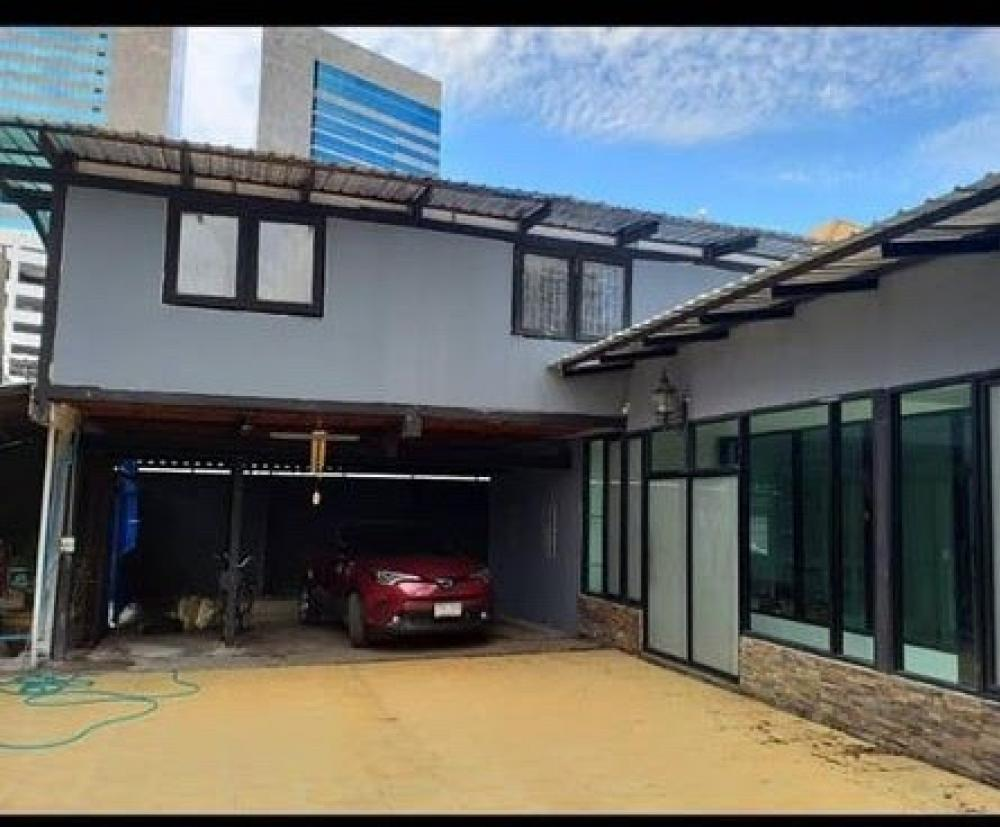 For RentHome OfficeSukhumvit, Asoke, Thonglor : For Rent Sukhumvit 36 - Rama 4 Single House 200 sqw. 650 sqm. for