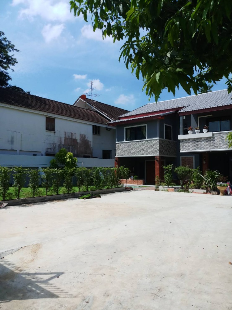 For RentHouseOnnut, Udomsuk : RH442 House for rent, 147 sq m, Soi Punnawithi 33, Phra Khanong, Bangkok.