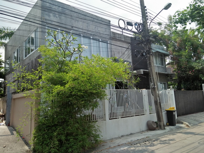 For RentHouseOnnut, Udomsuk : 2 storey detached house for rent, area 100 square meters, 450 square meters, 5 bedrooms, 3 bathrooms, partly air-conditioned, Sukhumvit 101/1 Road, rental price 50,000 baht / month