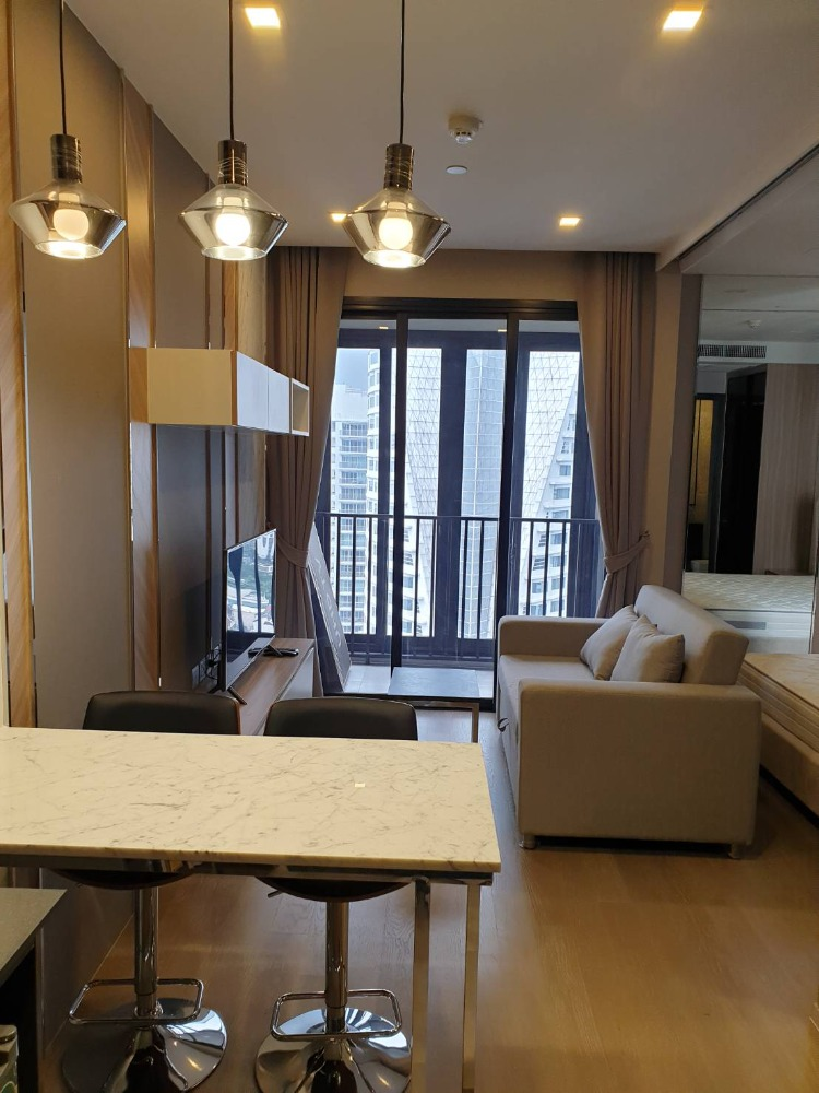 For SaleCondoSukhumvit, Asoke, Thonglor : Newly Luxury Decorated!! 1 BR 33.78 Sq.m for SALE & RENT at Ashton Asoke!! Best Price!!