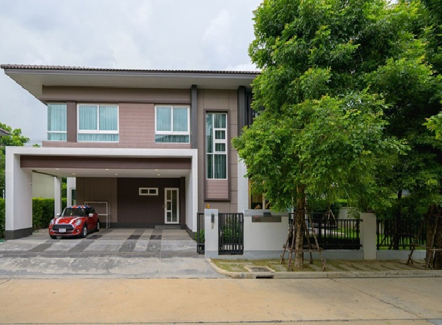 For RentHouseBangna, Lasalle, Bearing : Single house for rent 2 storey detached house for rent, Laddarom Village, Bangna, Soi Muang Kaew, Bangna Km.7, near Mega Bangna, fully furnished.