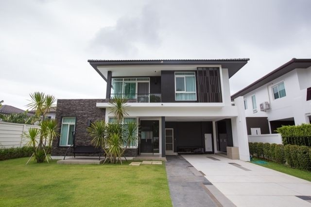 For SaleHouseChiang Mai, Chiang Rai : House for sale Below the project price of the Siwalee Serene Lackview Project