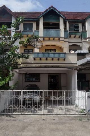 For RentTownhouseRama9, RCA, Petchaburi : RT453 Townhome for rent, 3 floors, 4 bedrooms, 4 bathrooms, Rama 9, Soi 19.