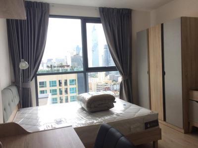 เช่าคอนโดสยาม จุฬา สามย่าน : For rent @ Ideo q chula Samyan 29 ตร.ม. ชั้น 18 ห้องมุม