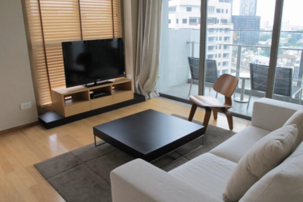 For RentCondoSukhumvit, Asoke, Thonglor : Condo for rent, Equa Sukhumvit 49, 1 bedroom, 60 sqm., Near BTS Thonglor Good lighting, quiet, shady weather, very good facilities.