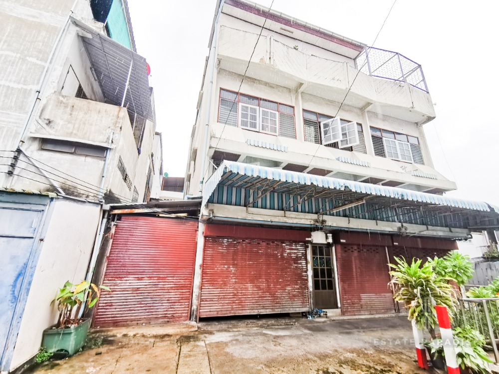 For RentShophouseRama3 (Riverside),Satupadit : Selling at a lower price than the shocking market !!! The cheapest in the Charoenkrung area !!!! 3-storey building on an area of 97 sq m, just 90 meters from the mouth of the alley