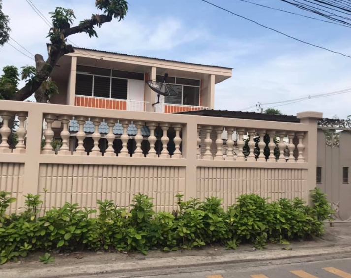 For RentHouseLadprao 48, Chokchai 4, Ladprao 71 : B715 2-storey house for rent, area 78 Tarawa, Soi Ladprao 87, 3 bedrooms, 2 bathrooms, recently renovated, very pleasant. Near along the express Central East Ville rental fee 22,000 baht