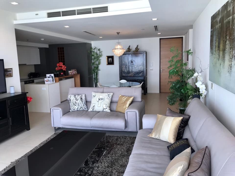 For SaleCondoWongwianyai, Charoennakor : Quick sale and very cheap! The River, 3Bed with stuning river view + Iconsiam, fully furnished !!