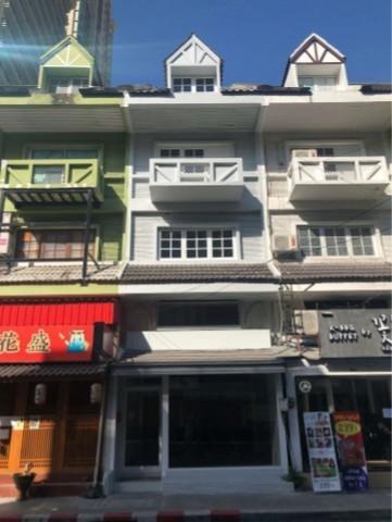เช่าตึกแถว อาคารพาณิชย์นานา : ให้เช่าอาคารพาณิชย์ 5ชั้น ซอยสุขุมวิท31 ใกล้ BTS พร้อมพงษ์ ไม่มีที่จอดรถ ไม่รับร้านอาหาร