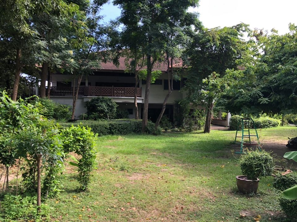 For SaleHouseOnnut, Udomsuk : BS127 2 storey detached house for sale, large house, 2 bedrooms, 3 bathrooms, with land 700 sq.wa., Sukhumvit 101, selling price 40,000,000 million baht.