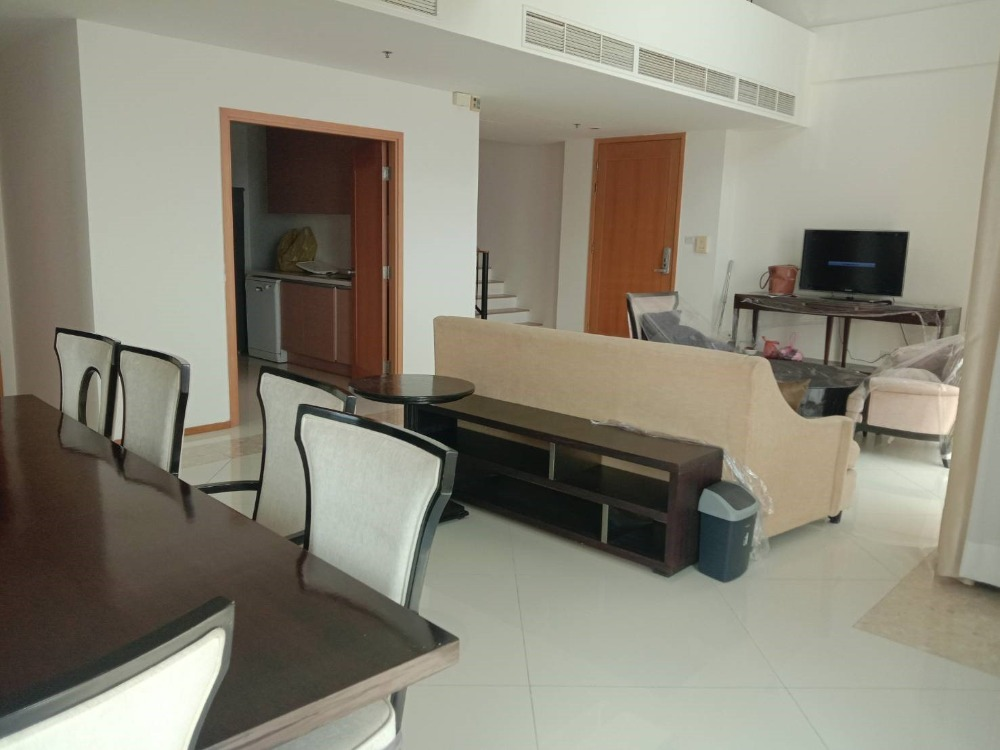 For SaleCondoSathorn, Narathiwat : The Empire Place - Luxury 3 Bed Penthouse Unit / High Floor / Unblocked Views / Duplex