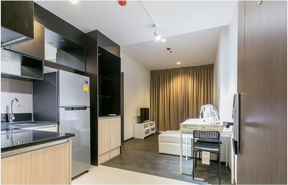 For RentCondoSukhumvit, Asoke, Thonglor : +++ Urgent rent ++ room, good location, EDGE SUKHUMVIT 23 ** 1 bedroom 43 sq m, 18th floor
