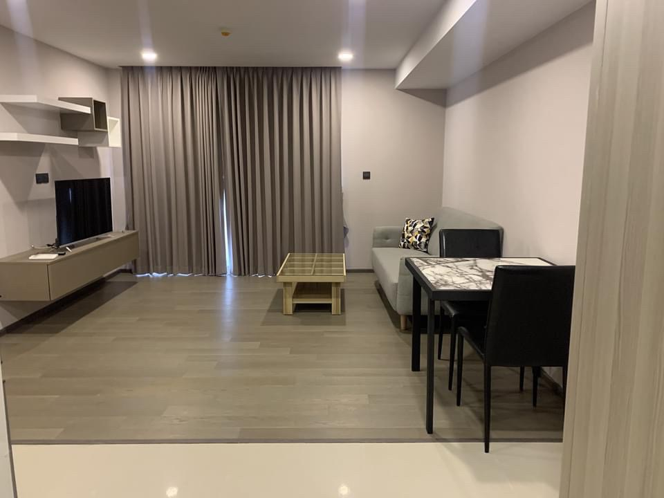 For RentCondoSiam Paragon ,Chulalongkorn,Samyan : +++ Urgent rental +++ Wide room, beautiful decoration, Klass Siam 2 bedrooms 71 sq m, beautiful room, but fully equipped
