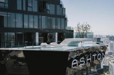 ขายคอนโดพระราม 9 เพชรบุรีตัดใหม่ : 🔥ขายด่วน🔥Ashton Asoke Rama 9🔥 ชั้น 32 นอนวิวไม่บล๊อก ⭐️เราแถมเงินสดให้อีกในวันโอน 1,500,000  บาท ⭐️เมื่อพร้อมโอน