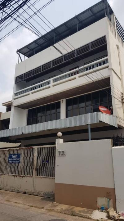 เช่าโฮมออฟฟิศอ่อนนุช อุดมสุข : Home Office 4 ชั้น 100 ตร.ว. มีที่จอดรถ ไฟ 3 เฟส ลิฟต์ เข้าออกได้หลายทาง ใกล้ BTS ห้าง พร้อมใช้งาน (Newly Renovated)