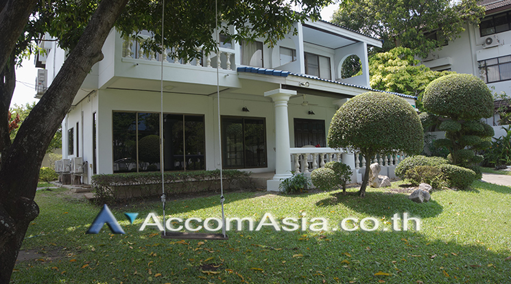 For RentHouseOnnut, Udomsuk : Homely atmosphere with 24 hrs security House 5 Bedroom For Rent BTS On Nut in Pattanakarn Bangkok