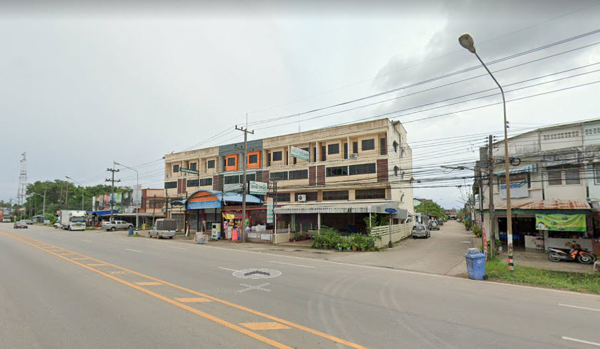 For SaleShophouseChumphon : Commercial building for sale, three and a half floors (with mezzanine), good condition, excellent location