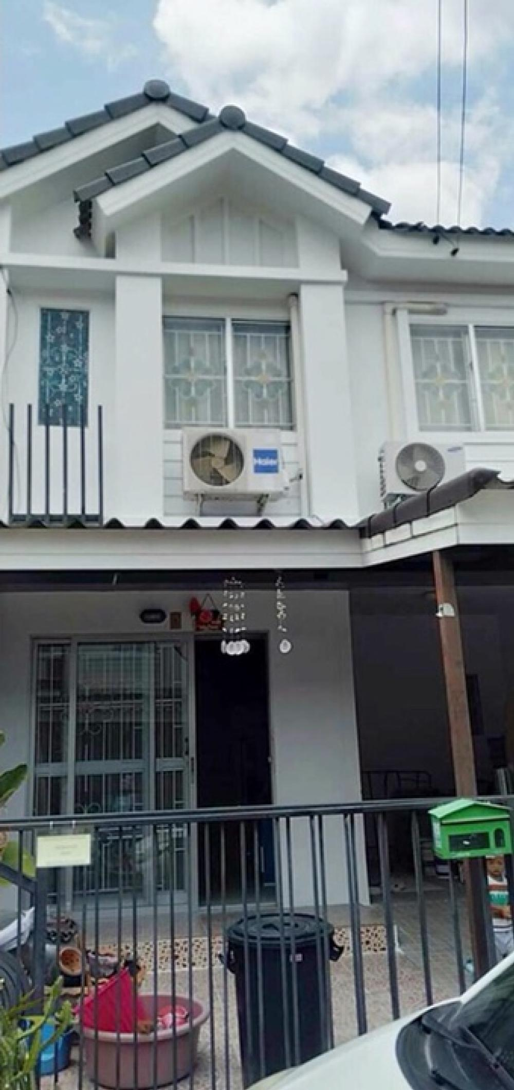 For RentTownhouseSamrong, Samut Prakan : Townhome for rent, Pruksa 62 Namdaeng-Srinakarin 3 bedrooms, 2 bathrooms, 2 air conditioners, complete additions, rent, cheap 9,000 / month