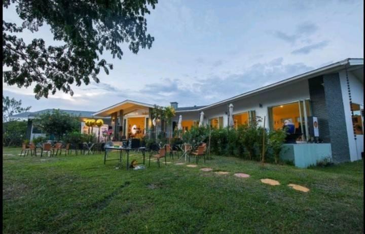 เช่าบ้านเชียงใหม่-เชียงราย : บ้านหรูพร้อมสระว่ายน้ำ พื้นที่ 2 ไร่+ 2 งาน  มีพูลวิ่ลล่า บาร์และครัวในสวน สระว่ายน้ำ