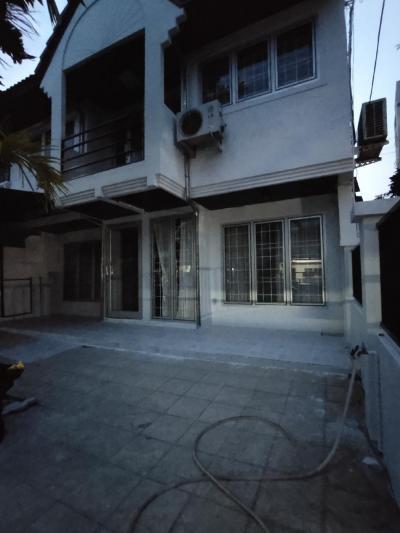 เช่าทาวน์เฮ้าส์/ทาวน์โฮมพระราม 9 เพชรบุรีตัดใหม่ : #ให้เช่าทาวน์เฮ้าส์อารมย์บ้านเดี่ยว เพราะเป็นหลังคู่มีพื้นที่รอบบ้าน ย่าน ทาวน์ อิน ทาวน์ ลาดพร้าว รัชดา พระราม9 รามคำแหง บดินทร์เดชาสิงห์สิงหะเสนีย์