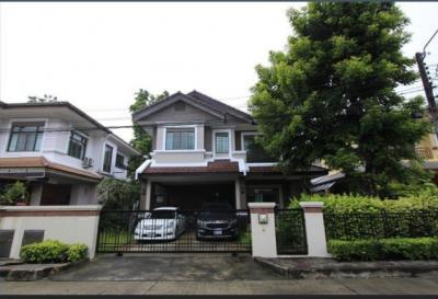 For RentHouseRamkhamhaeng Nida, Seri Thai : RH446 House for rent, 3 bedrooms, 3 bathrooms, Setthasiri Wongwaen-Sukhapiban 2, furniture and electrical appliances.