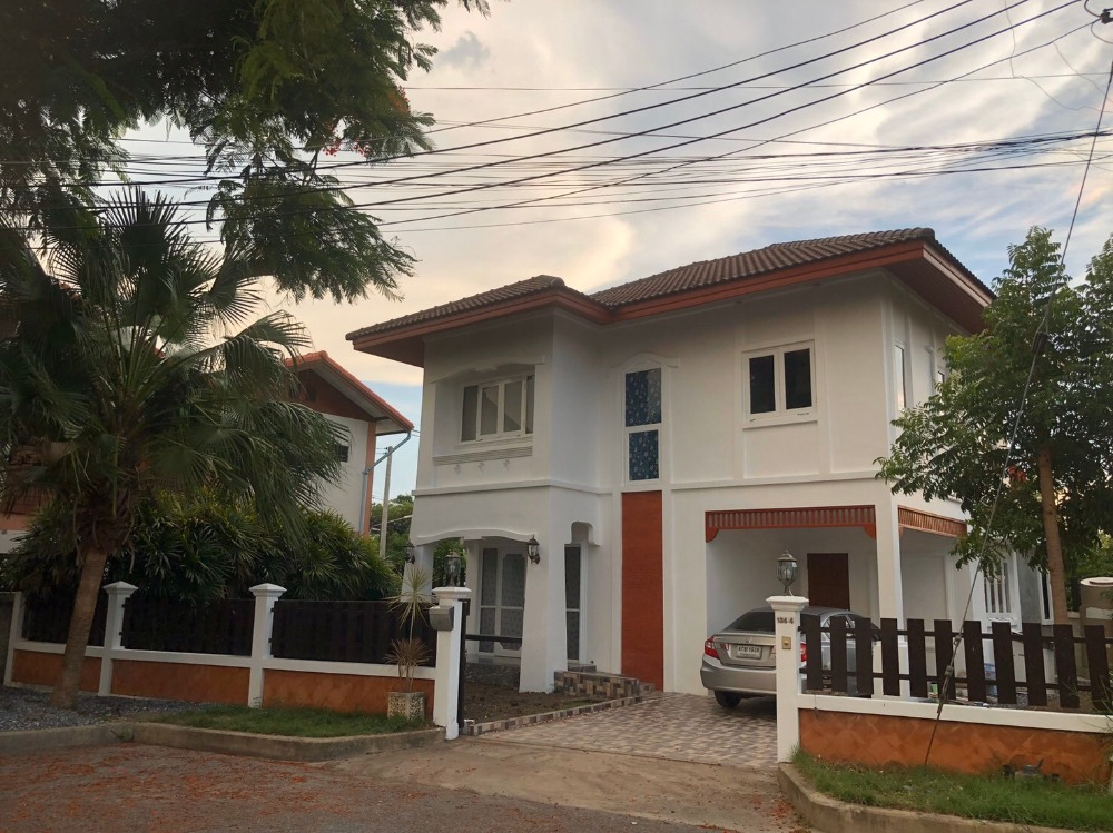 For RentHouseRangsit, Patumtani : Single House for rent. Busaba Village close to Krung Siam St. Karos Hospital