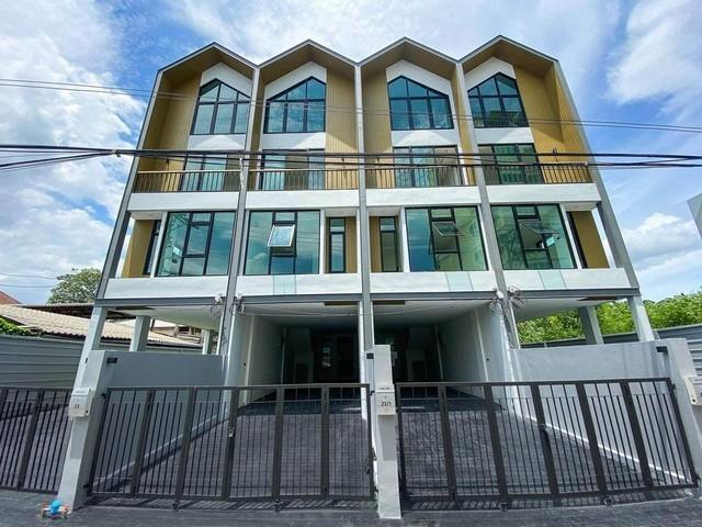 For RentHome OfficeOnnut, Udomsuk : 4-storey home office for rent, Soi Sukhumvit 101, Tub 1, a new corner plot, never entered Near BTS Udomsuk Near Central Bangna