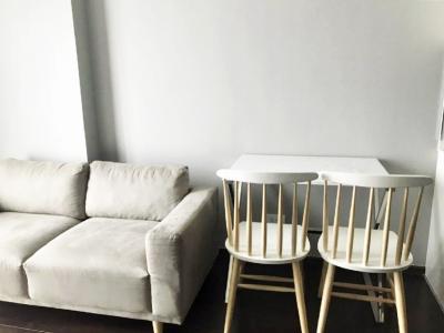 เช่าคอนโดสุขุมวิท อโศก ทองหล่อ : ✨ ห้องสวยมากกก ตกแต่งสไตล์โมเดิร์น มีความหรูหรา ทันสมัย ให้เช่าคอนโด C Ekkamai คอนโดพร้อมอยู่ สูงสุดบนทำเลเอกมัย พร้อมส่วนกลางระดับ Luxury ทำเลดี ใกล้ BTS เอกมัย และ ทางด่วน
