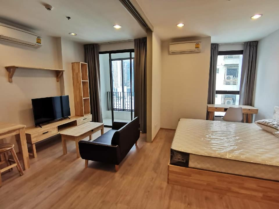 For RentCondoRatchathewi,Phayathai : For rent: IDEO Q Ratchathewi, size 34 sq m, 17000 / month, near BTS Ratchathewi, near Siam, new room, never lived.