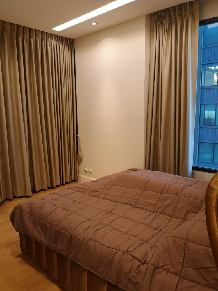 For RentCondoLadprao, Central Ladprao : Equinox, new room, fully furnished, never had a person, beautiful view, corner room, very cheap price, urgent!
