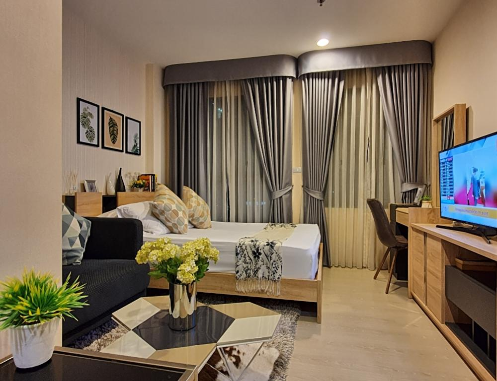 For SaleCondoRama9, RCA, Petchaburi : *** Urgent sale, beautiful room, pool view, Rhythm Asoke project, 2 studio, 1 bathroom, selling price 3,400,000 baht, size 23 sq.m., floor 12, fully furnished, ready to move in, close to MRT Rama 9
