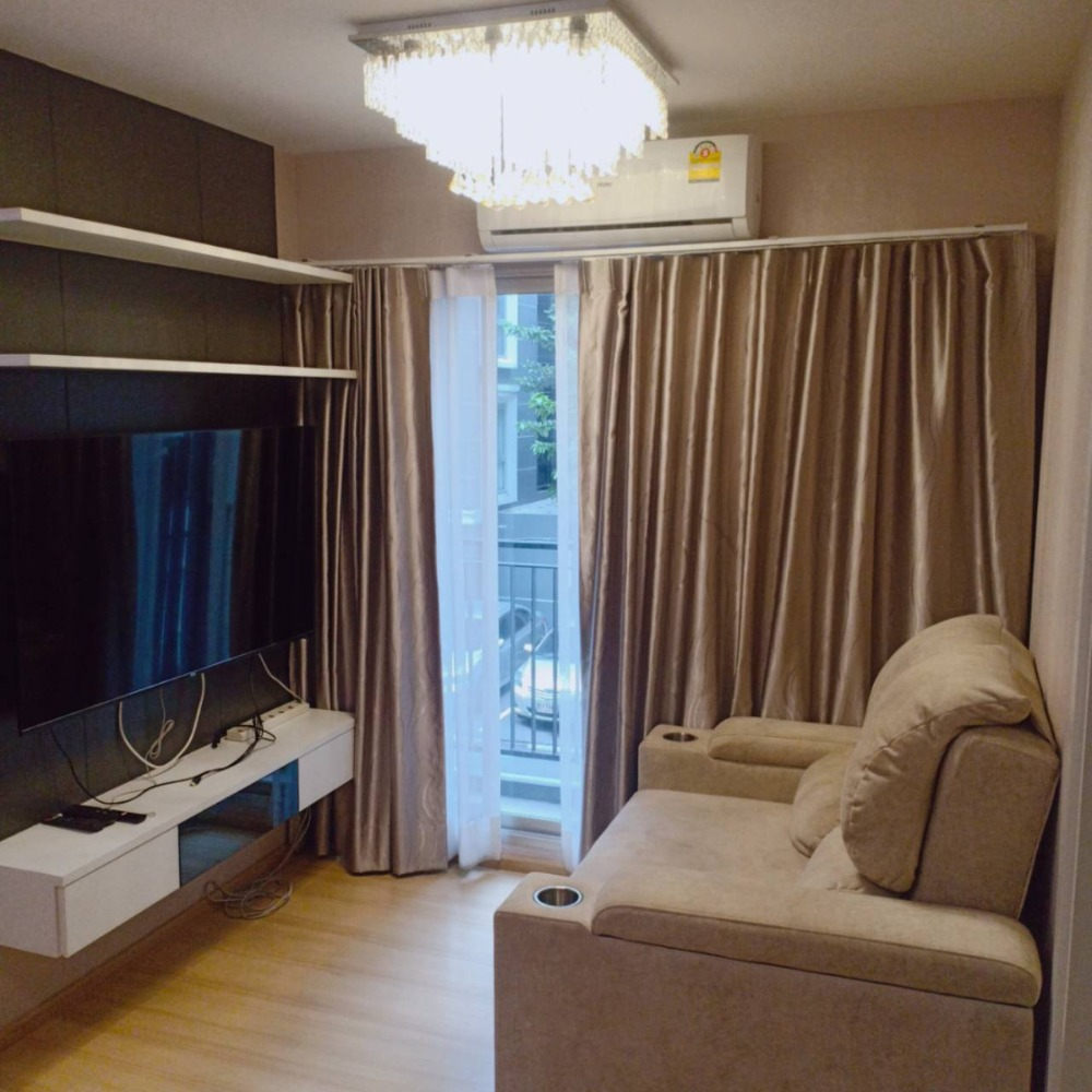 For RentCondoChengwatana, Muangthong : Ready-to-move-in room size 45 sq m. 2 bedrooms, 2 bathrooms, rooms near the central area, only 16000 / month