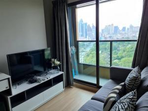 เช่าคอนโดพระราม 9 เพชรบุรีตัดใหม่ : Lumpini Suite Phetchaburi - Makkasan For Rent 1 bedroom 1 bathroom  Size 27 sqm