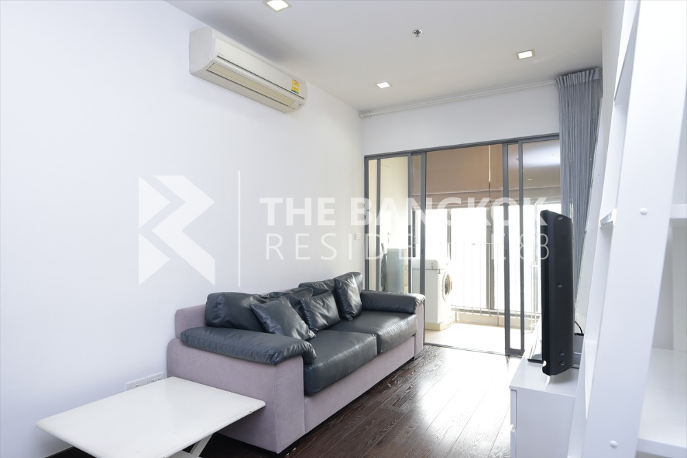 For SaleCondoRatchathewi,Phayathai : There is only one room for sale, Ideo Q Phayathai, 2 bedrooms, 70 sqm., Price only 12.25 million baht, never rented. Urgently contact Call 0922610895