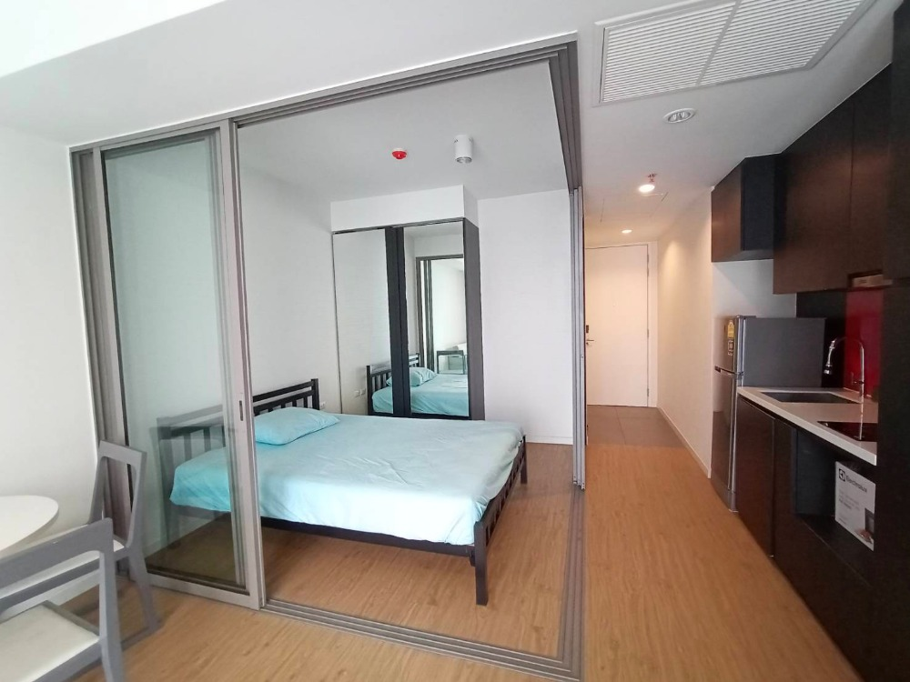 For RentCondoSilom, Saladaeng, Bangrak : For Rent Siamese Surawong (Siamese Surawong) From MRT Samyan 500 M.
