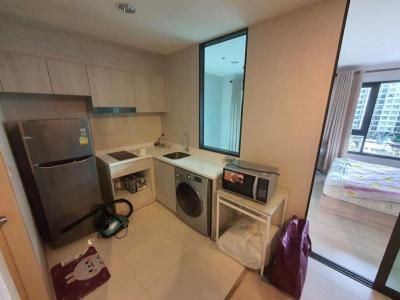เช่าคอนโดปิ่นเกล้า จรัญสนิทวงศ์ : Life Pinklao . ให้เช่าคอนโด ไลฟ์ ปิ่นเกล้า1 Bed Plus 35 sq.m. .1 #ห้องนอน 1 #ห้องน้ำ 1 #ห้องอเนกประสงค์ #ห้องนั่งเล่น และ #ครัวเปิด.ทิศตะวันออก วิวสระว่ายน้ำ 40 ม. สะพานพระราม 8 เกาะรัตนโกสินทร์ และย่านธุรกิจของกรุงเทพฯ.ตกแต่งสไตล์มินิมัล เฟอร์นิเจอร์ #MU
