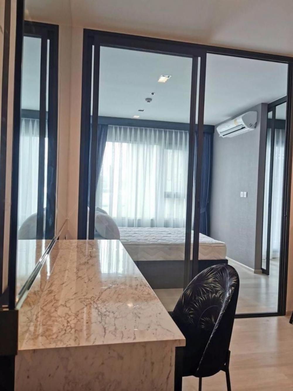 For RentCondoWitthayu,Ploenchit  ,Langsuan : NC-R236 new condo for rent, Life one Wireless project, near Central Embassy and BTS Ploenchit, 21st floor, luxury decoration, complete electrical appliances Carry the bag to move in. - Room 1 Bedroom Plus size 35 sq.m. - New room, never been there - 21st