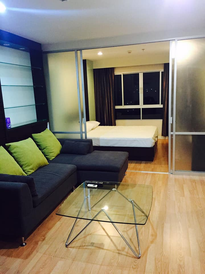 For SaleCondoRama 8, Samsen, Ratchawat : Cheap sale, Lumpini Place Rama 8 Condo with tenants, very beautiful room, size 35 sqm, 9th floor, price 2.39 million baht.