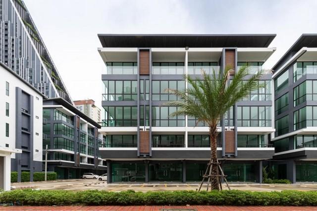 For RentShophouseSilom, Saladaeng, Bangrak : Rent a 5-storey building with elevators, Chula Silom, Saladaeng, near MRT Sam Yan. Samyan Business Town Rama 4