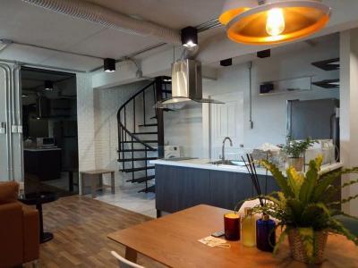 เช่าคอนโดสุขุมวิท อโศก ทองหล่อ : ++เช่าด่วน+++ ห้องสวย กว้างมาก++ Thonglor Tower** 2 ห้องนอน Duplex 93 ตร.ม.  แต่งครบพร้อมเข้าอยู่