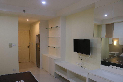 เช่าคอนโดรามคำแหง หัวหมาก : For Rent : The Inspire Place ABAC Rama 9 ชั้น 5 ตกแต่งใหม่ พร้อมเครื่องซักผ้า ราคา 7,000 บาท/เดือน (รวมค่าส่วนกลาง)
