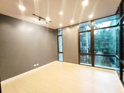 For SaleHome OfficeBangna, Bearing, Lasalle : For sale Home Office Plex Bangna, Plex Bangna 3floor 25 sq.w. Bangna Km. 5