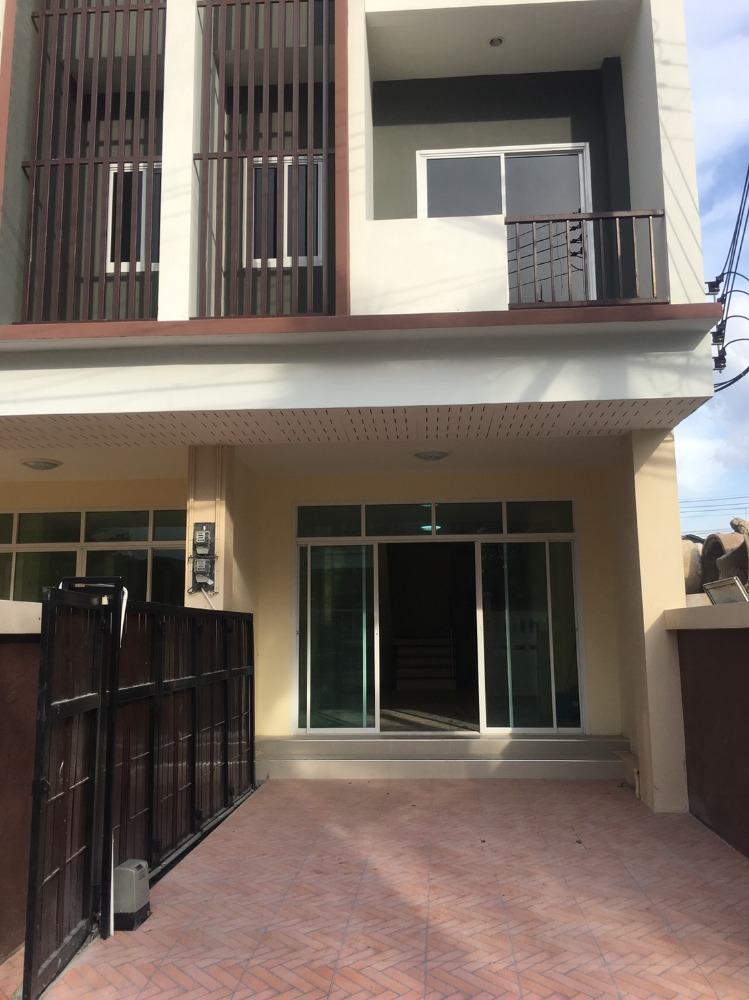 For RentTownhouseRayong : New townhome! 3 floors, 4 bedrooms, 4 bathrooms, with air conditioning